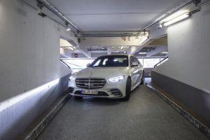 Mnövrieren Mercedes-Benz