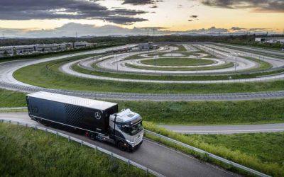 Brennstoffzellen-Lkw mit Flüssigwasserstoff