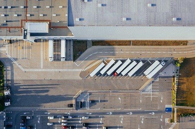 Studie fordert Ausbau von E-Ladesäulen für schwere Lkw